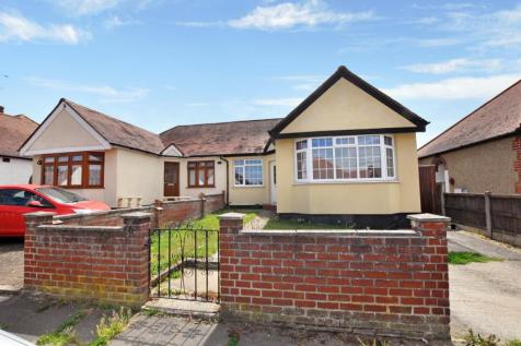 Wallace Crescent, Chelmsford, CM2. 3 bedroom bungalow