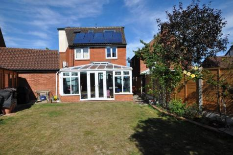 Hopkins Mead, Chelmer Village, Chelmsford, CM2. 7 bedroom detached house