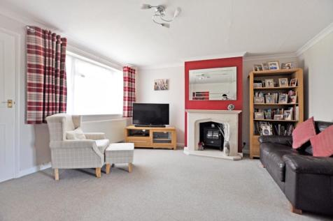 Linnet Drive, Chelmsford, CM2. 3 bedroom terraced house