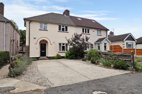 Baddow Hall Avenue, Chelmsford, CM2. 3 bedroom semi-detached house