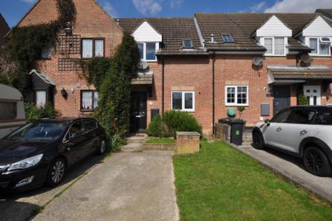 Mountbatten Way, Springfield, Chelmsford, CM1. 2 bedroom terraced house