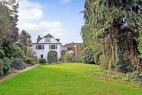 Winchelsea Drive, Great Baddow, Chelmsford, CM2. 4 bedroom detached house