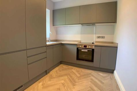 Thornbury Road, Isleworth, Middlesex, TW7. 1 bedroom apartment