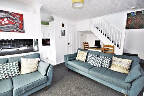 Commodore Croft, Hull, HU1. 2 bedroom terraced house for sale