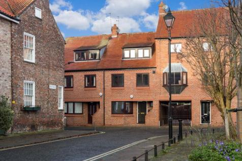 29 St. Andrewgate, York. 2 bedroom house for sale