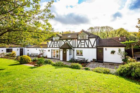Brimstone Hill, Meopham. 2 bedroom cottage for sale