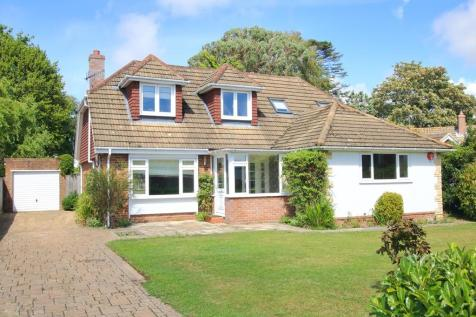 Springfield Close, Lymington, Hampshire. 4 bedroom detached house for sale
