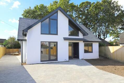 West Way, Pennington, Lymington, Hampshire. 4 bedroom detached house for sale