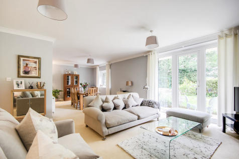 Spectacular Ground Floor Apartment in Whyteleafe, Surrey. 2 bedroom apartment