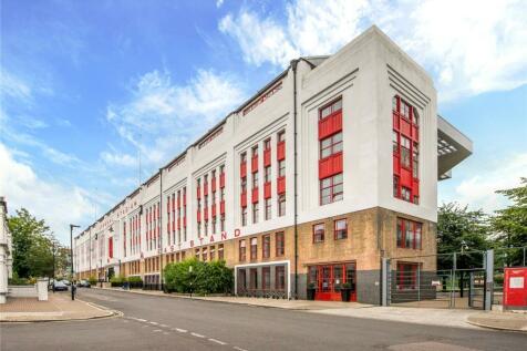 Northstand Apartments, Highbury Stadium Square, London, N5. 3 bedroom flat for sale