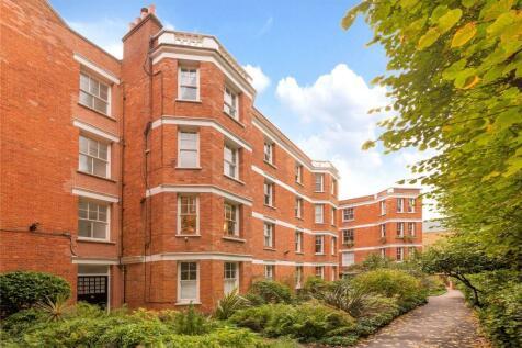 York House, 14 Highbury Crescent, London, N5. 2 bedroom flat for sale