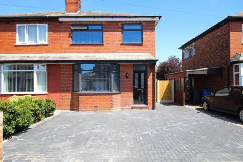 Grantham Avenue, Warrington, WA1. 3 bedroom semi-detached house