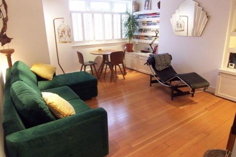Durham Close, Raynes Park. 2 bedroom apartment