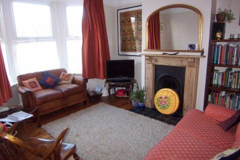 Dupont Road, SW20. 2 bedroom apartment