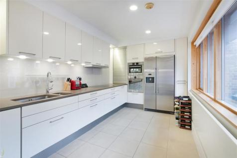 Wedderburn House, Lower Sloane Street, SW1W. 3 bedroom flat for sale