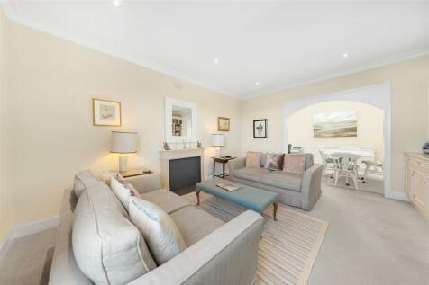 Cornwall Gardens, SW7. 2 bedroom flat