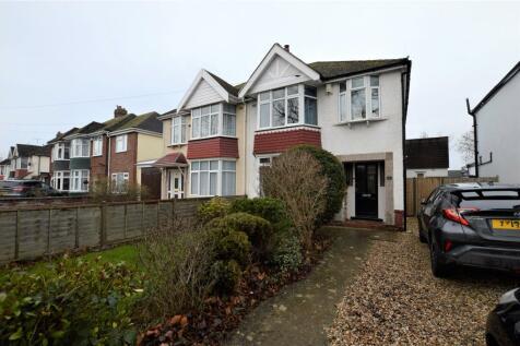 Priors Road, Cheltenham, Gloucestershire, GL52. 3 bedroom semi-detached house