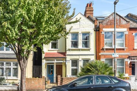 Astonville Street, LONDON, SW18. 2 bedroom apartment