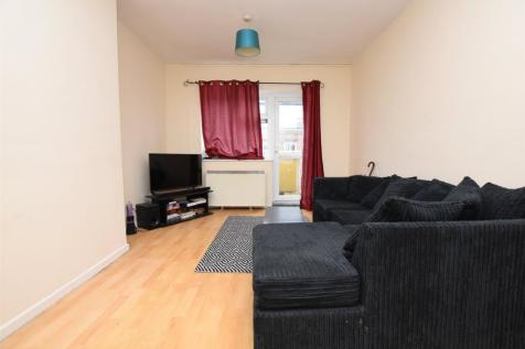 Angel Way, Romford, Essex, RM1. 2 bedroom apartment