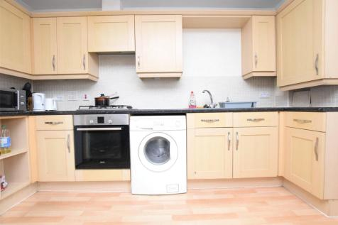 Southbury Court, South Street, ROMFORD, RM1. 1 bedroom apartment