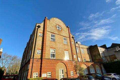 Grosvenor Place, Bromley Road, Beckenham, BR3. 2 bedroom flat