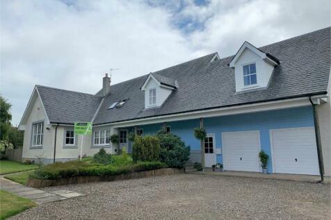 2 Birkfield Park, Rumbling Bridge, Kinross-shire. 5 bedroom detached house