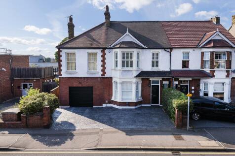 Brampton Road, Bexleyheath, Kent, DA7. 5 bedroom semi-detached house for sale