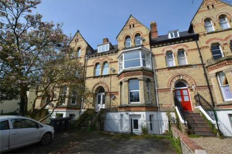 Victoria Road, BARNSTAPLE, EX32. 2 bedroom apartment for sale