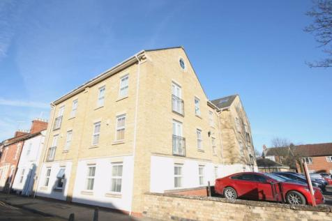 NEW VIDEO AVAILABLE - IVYGATE, PALMERSTON ROAD. 2 bedroom flat