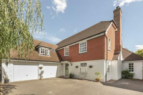 Morris Drive, Billingshurst, RH14. 5 bedroom detached house