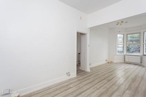 Harvard Road, London, SE13. 3 bedroom terraced house