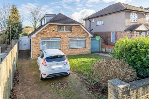 Burford Close, Uxbridge, Greater London, UB10. 3 bedroom bungalow for sale