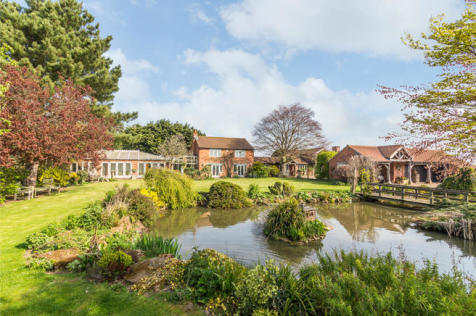 Stratford House, Cropwell Bishop Road, Cropwell Butler, Nottinghamshire NG12 3AL. 5 bedroom country house for sale