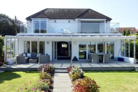 Green Lane, Hamble, Southampton, Hampshire, SO31. 5 bedroom detached house for sale