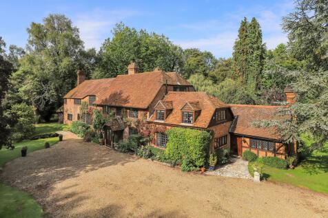 Goodworth Clatford, Andover, Hampshire SP11. 8 bedroom detached house
