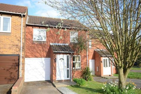 Chilcombe Way, Lower Earley. 3 bedroom terraced house