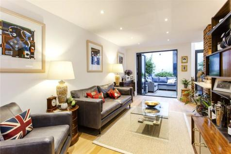 Mountgrove Road, Highbury, London, N5. 2 bedroom maisonette for sale