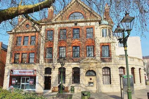 Carfax, Horsham, RH12. 2 bedroom flat
