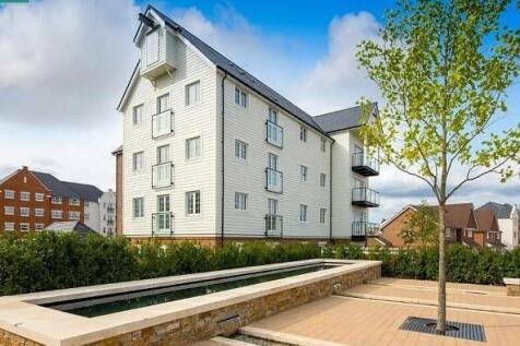 Harpers Lodge, Arundale Walk, Horsham, RH12. 2 bedroom flat