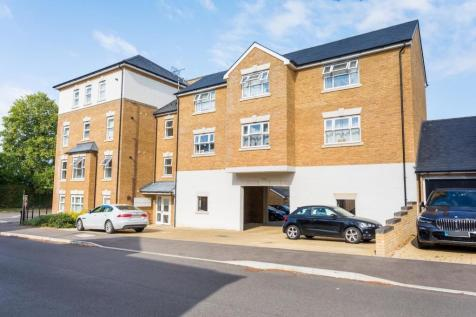 Parsonage Road, Horsham, RH12. 2 bedroom apartment
