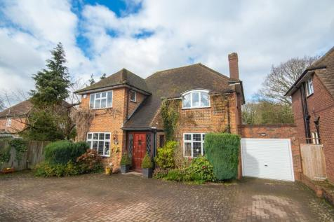 Clonard Way, Hatch End, Middlesex HA5. 4 bedroom detached house for sale