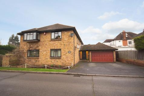 Barrow Point Lane, Pinner Village, Middlesex HA5. 5 bedroom detached house