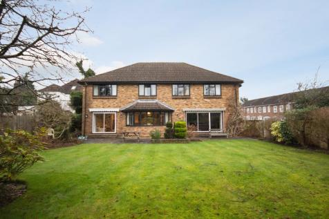 Barrow Point Lane, Pinner Village, Middlesex HA5. 5 bedroom detached house for sale