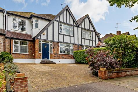 Uxbridge Road, Hatch End, Pinner HA5. 4 bedroom semi-detached house for sale