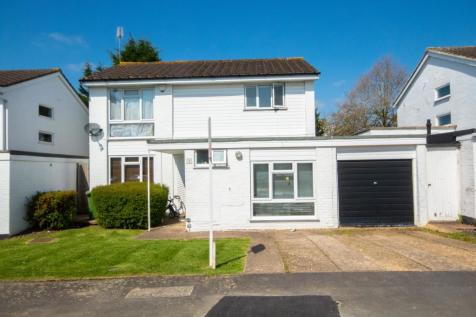 Ferndown Close, Pinner, Middlesex HA5. 4 bedroom detached house for sale
