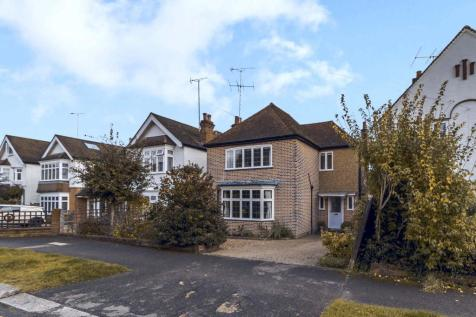 Love Lane, Pinner, Middlesex HA5. 3 bedroom detached house for sale