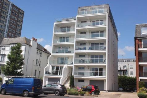 Westcliff Parade, Westcliff-On-Sea. 3 bedroom flat for sale