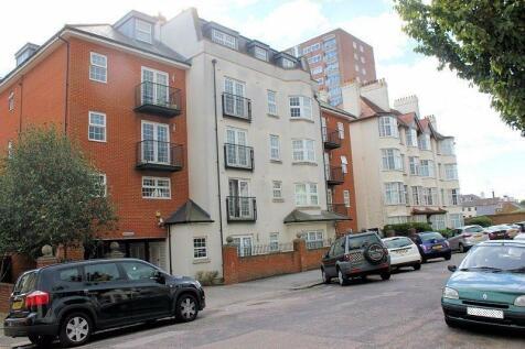 Alexandra Road, Southend-On-Sea. 2 bedroom flat