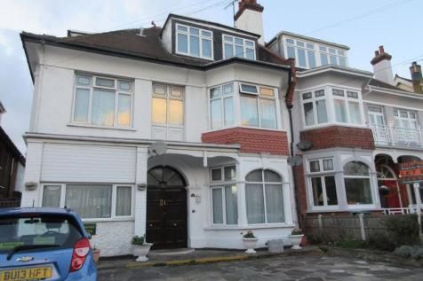Ditton Court Road, Westcliff-On-Sea. House share