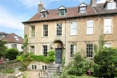 Online Auction. Frome. Grade II listed town house in need of renovation. 6 bedroom town house for sale